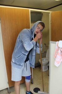 toilette-putzen-wi-ki-camp-2016